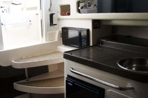 Grady-White-300-Marlin-2008--Fort-Pierce-Florida-United-States-Cabin-Entry--Galley-1070970