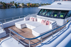 147' Sunrise  2014 Fore-deck seating