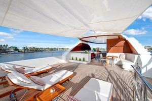 147' Sunrise  2014 Sundeck looking forward