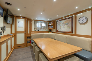 147' Sunrise  2014 Crew Mess