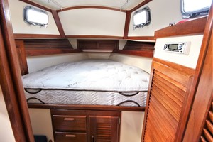 32' Pacific Seacraft Pilothouse 32 1995