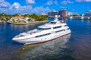 147' Sunrise Motor Yacht 2014 Port Profile