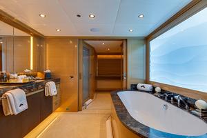 147' Sunrise Motor Yacht 2014 Master Bath