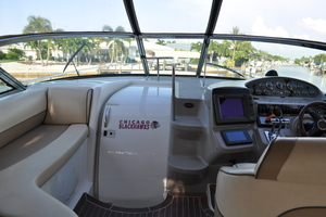 42' Cruisers Yachts 4270 Express 2002