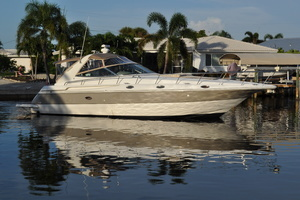42' Cruisers Yachts 4270 Express 2002 This 2002 42' Cruisers Yachts 4270 Express for sale - SYS Yacht Sales