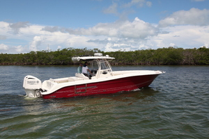 34' Hydra-Sports 3400 CC 2012 Profile