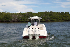 34' Hydra-Sports 3400 CC 2012 Stern View