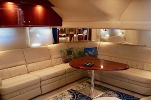 51' Sea Ray 510 Sundancer 2002 Salon Settee