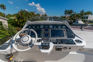 71' Sunseeker Sport  2014 Upper Helm