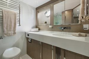 71' Sunseeker Sport  2014 Master Bath