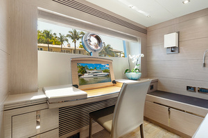 71' Sunseeker Sport  2014 Master Office
