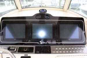 35' Scout 350 LXF 2014 Electronics