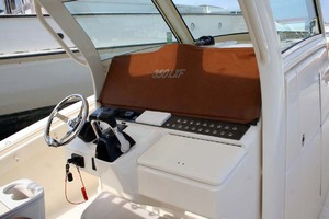 35' Scout 350 LXF 2014 Helm Cover