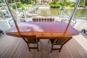 Horizon-Cockpit-Motor-Yacht-2008-Liberation-Stuart-Florida-United-States-Aft-Deck-Table-1075373