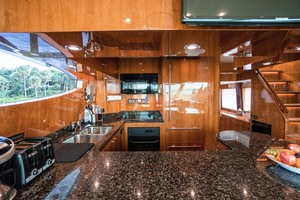 Horizon-Cockpit-Motor-Yacht-2008-Liberation-Stuart-Florida-United-States-Galley-1075333