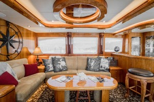 Horizon-Cockpit-Motor-Yacht-2008-Liberation-Stuart-Florida-United-States-Salon-Settee-and-Coffee-Table-1075323