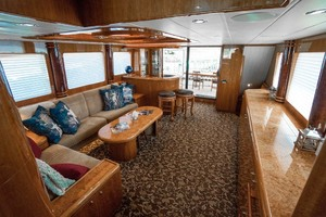 Horizon-Cockpit-Motor-Yacht-2008-Liberation-Stuart-Florida-United-States-Main-Salon-Looking-Aft-1075320