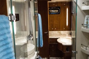 Horizon-Cockpit-Motor-Yacht-2008-Liberation-Stuart-Florida-United-States-Master-Shower-1075352