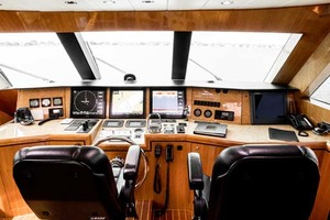 Horizon-Cockpit-Motor-Yacht-2008-Liberation-Stuart-Florida-United-States-Pilothouse-Helm-1075336