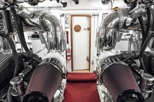 Horizon-Cockpit-Motor-Yacht-2008-Liberation-Stuart-Florida-United-States-Engine-Room-with-Fishing-Poles-Overhead-1075386