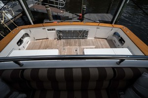 82' Horizon Cockpit Motor Yacht 2008 Cockpit