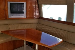 53' Riviera Convertible Sport Fisherman 2004 Salon Table
