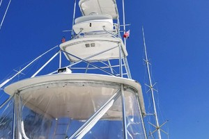 53' Riviera Convertible Sport Fisherman 2004 Tower