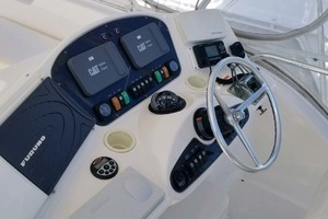 49' Riviera Convertible Sport Fisherman 2004 Helm Console