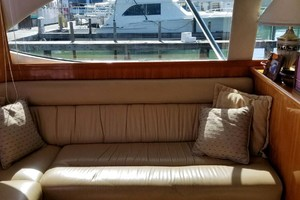 47' Riviera Convertible Sport Fisherman 2004 Leather Salon Seating