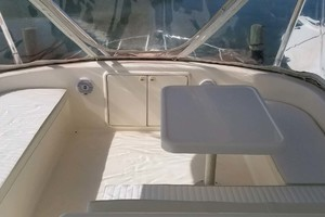 53' Riviera Convertible Sport Fisherman 2004 Seating