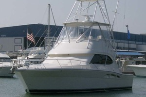 49' Riviera Convertible Sport Fisherman 2004 Starboard Bow