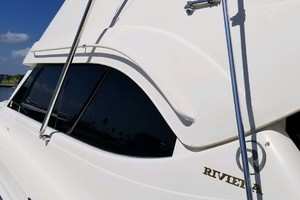 53' Riviera Convertible Sport Fisherman 2004 Window