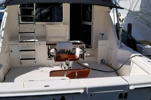 53' Riviera Convertible Sport Fisherman 2004 Cockpit