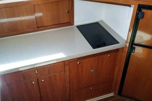 47' Riviera Convertible Sport Fisherman 2004 Galley