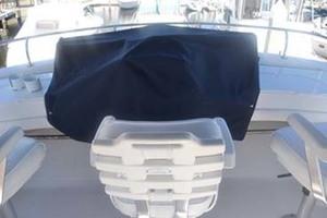 39' Mainship 395 Trawler 2010 Helm Cover