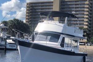 39' Mainship 395 Trawler 2010 Profile