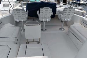 39' Mainship 395 Trawler 2010 Flybridge Helm Seats