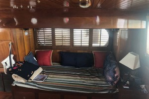 48' Custom Durbeck North Sea Trawler 1982 Berth