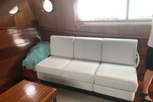 48' Custom Durbeck North Sea Trawler 1982 Salon Settee