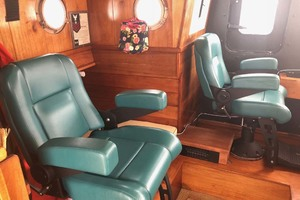 48' Custom Durbeck North Sea Trawler 1982 Helm chairs