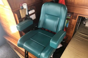 48' Custom Durbeck North Sea Trawler 1982 Helm Chair