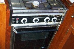 50' Grand Banks 50 Europa 1974 3-Burner Propane Stove & Oven