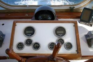 50' Grand Banks 50 Europa 1974 Flybridge Helm