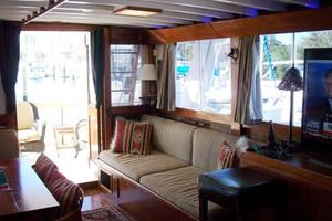 50' Grand Banks 50 Europa 1974 Salon_Aft Port