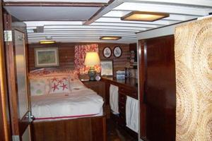 50' Grand Banks 50 Europa 1974 Master SR_Aft Port