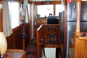 50' Grand Banks 50 Europa 1974 Staircase & Pilothouse_Forward Port