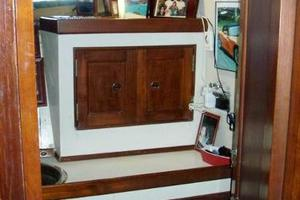 50' Grand Banks 50 Europa 1974 V-Berth Head Vanity & Cabinetry