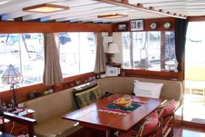 50' Grand Banks 50 Europa 1974 Salon_Aft Stbd