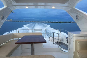 54' Azimut Flybridge 2014 Fybridge to Aft Deck