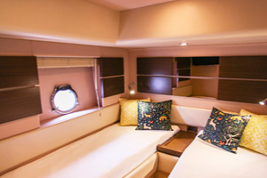 54' Azimut Flybridge 2014 Twin Bunk Stateroom